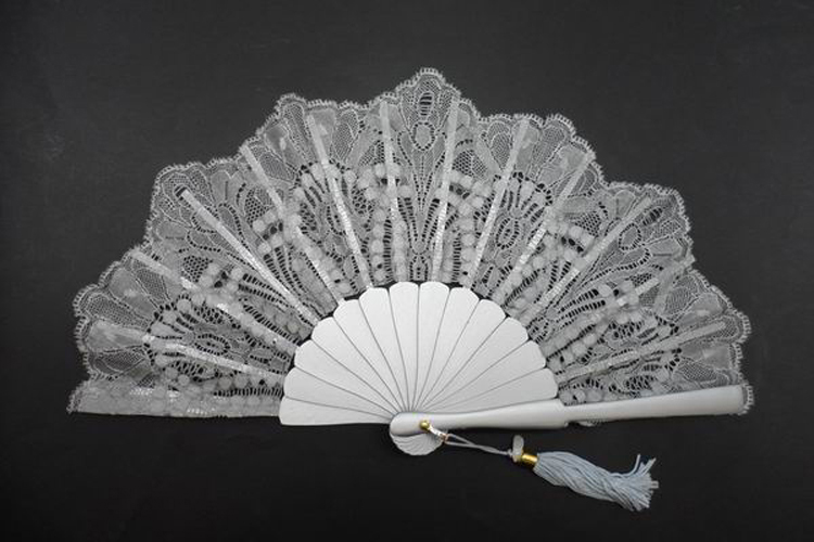 Silver Fan for Ceremony with lace. Ref. 1341